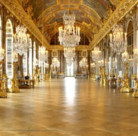 French Decorative Arts (c.1640-1792) King's Court at Versailles, Royal  Chateaux